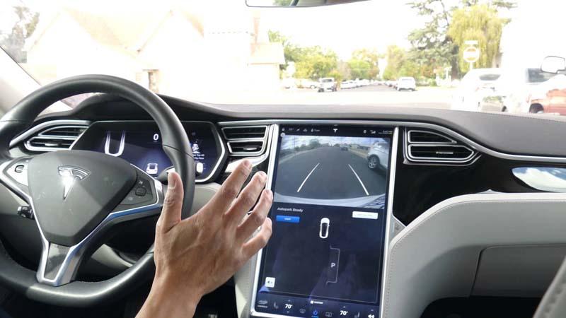 Autopark-Tesla