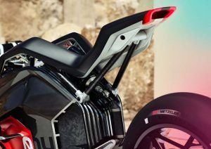 BMW-Motorrad-Vision-DC Roadster_trasera-lateral