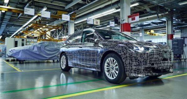 BMW-iNEXT-nuevas-imagenes-produccion-planta-piloto