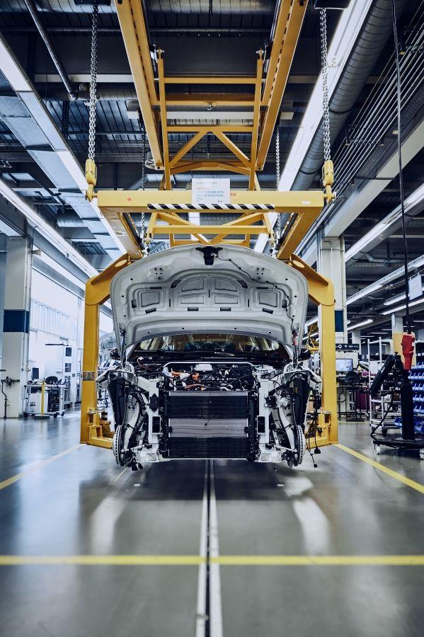 BMW-iNEXT-nuevas-imagenes-produccion2