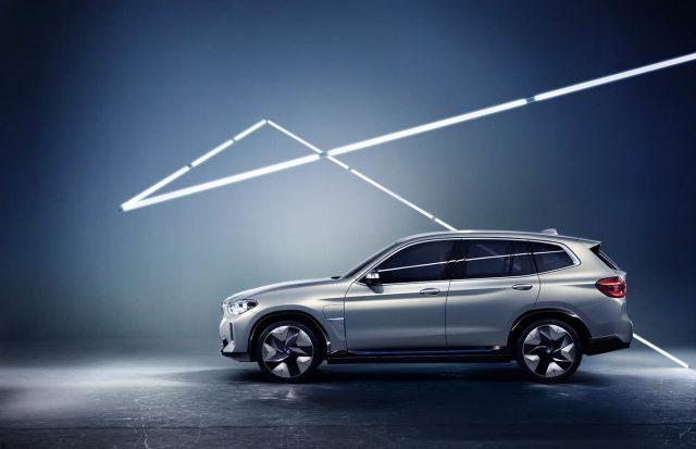 BMW-iX3-04