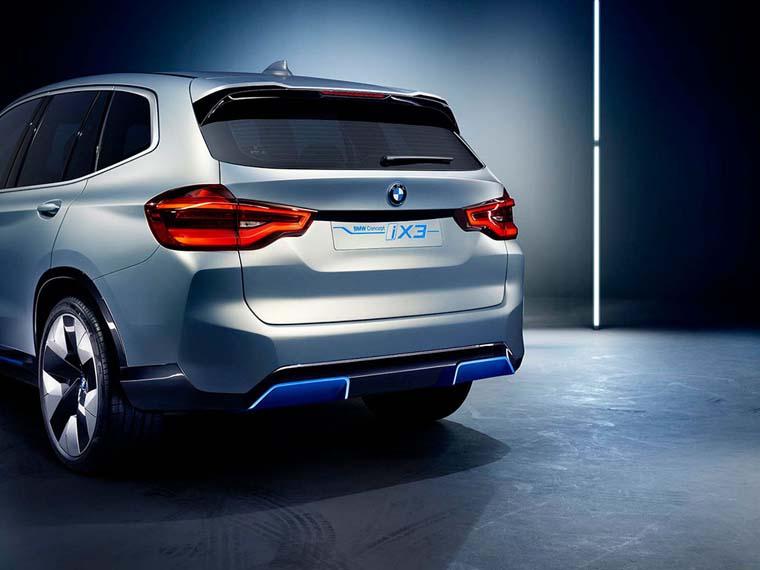 BMW-iX3-05