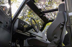 Bollinger B2, foto del inerior de este coche eléctrico