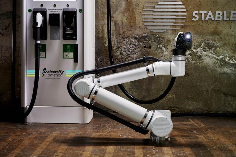 Brazo-robotico-automatizacion-carga-electrify_america-stable_auto