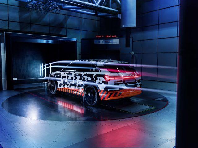 Centrol-Tunel-Viento-Audi_E-tron_quattro02