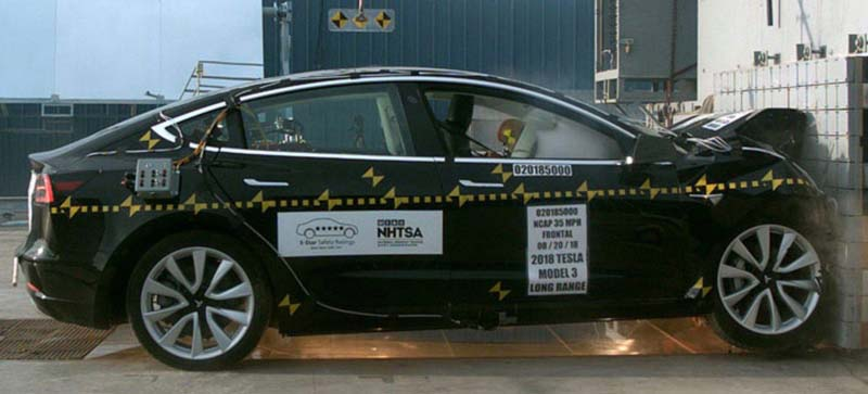 Choque-Frontal-Model3-NHTSA01