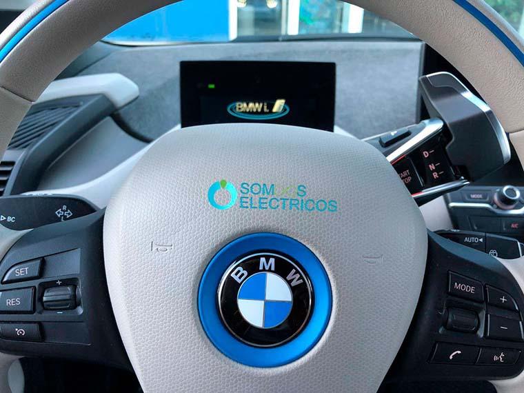 Conectividad-Volante-BMW_i3