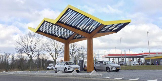 Fastned, nueva estación de carga de vehículos eléctricos
