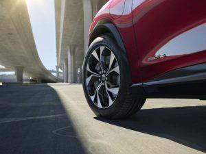 Detalle rueda Ford Mustang Mach E