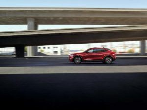 Foto Ford Mustang Mach E rojo