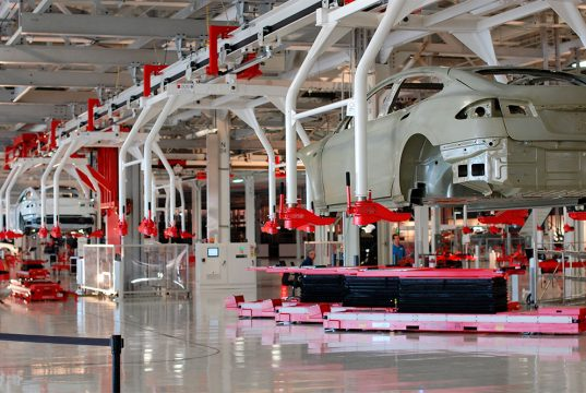 Imagen de la cadena de montaje de Tesla en la Gigafactory de Fremont (California)