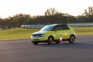 Honda-e-amarillo-circuito1