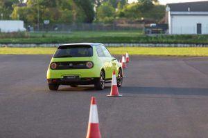 Honda-e-amarillo-circuito4-conos