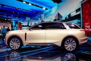 foto lateral del Hongqi E115, SUV eléctrico de lujo