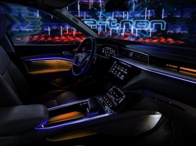 Interior-Audi-e-tron quattro01