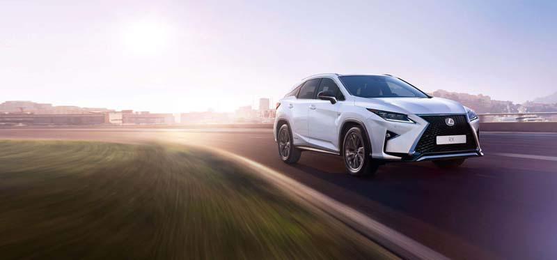 Lexus-crossover02