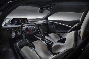 Lotus-Evija_interior-lateral-lado-conductor
