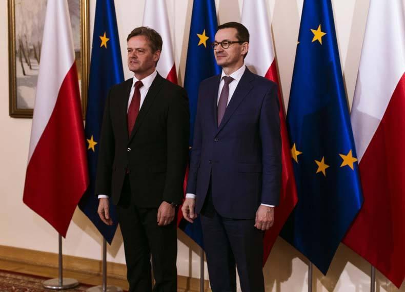 Markus_Schäfer_mercedes-benz-Mateusz_Morawiecki_primer-ministro-polonia