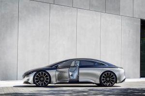 Mercedes-Benz-EQS_lateral_puerta_abierta