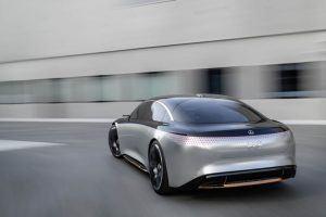 Mercedes-Benz-EQS_trasera_movimiento