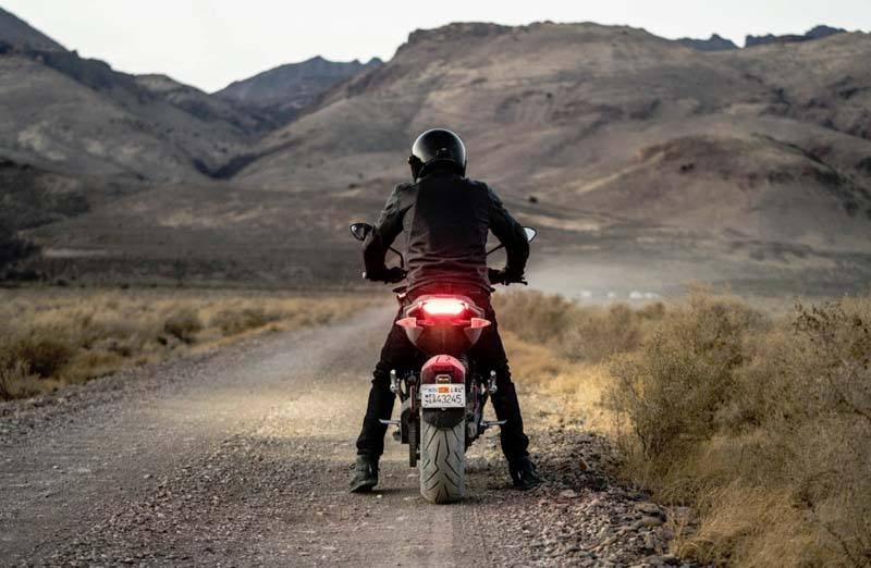 Motocicleta-electrica-ZERO-SR_F_vista-trasera