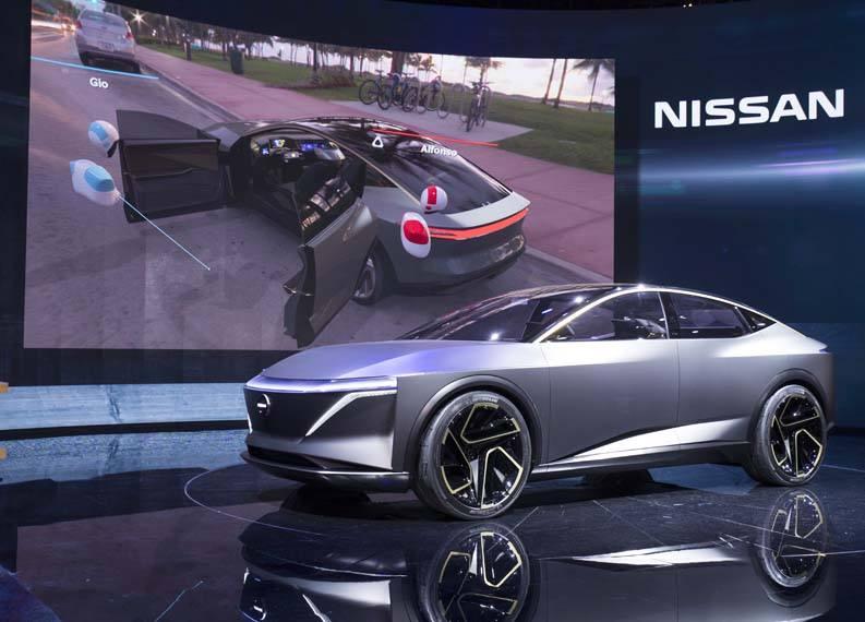 Nissan-IMs-Concept-EV-Salon-Automovil-Norteamerica-presentacion-exterior-lateral02Nissan-IMs-Concept-EV-Salon-Automovil-Norteamerica-presentacion-exterior-lateral-pantalla