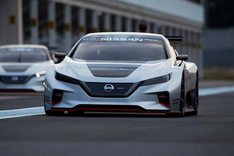 Nissan LEAF NISMO RC - Frontal_Carretera-sin_luces