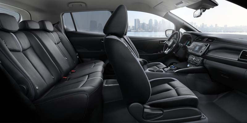 Nissan_Leaf-interior