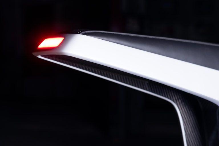 Novus_motocicleta-electrica-presentada-CES_2019-luz-trasera