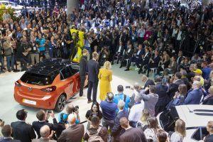 Opel Corsa e en el IAA 2019 tras su presentación