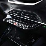 Peugeot-208-interior-botones-piano-multimedia