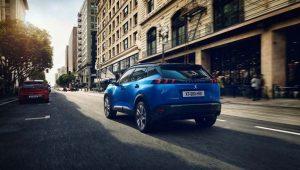 Peugeot-e_2008-suv-color-azul-trasera