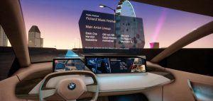 Realidad-virtual-desmotracion-sistema-interaccion-natural-multimodal-BMW-persentado-MWC2019-Barcelona-informacion-obtenida-vehiculo-al-preguntar-algo3