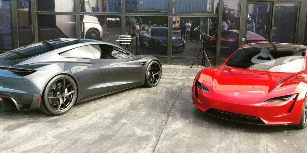 Roadster-Gris_Rojo