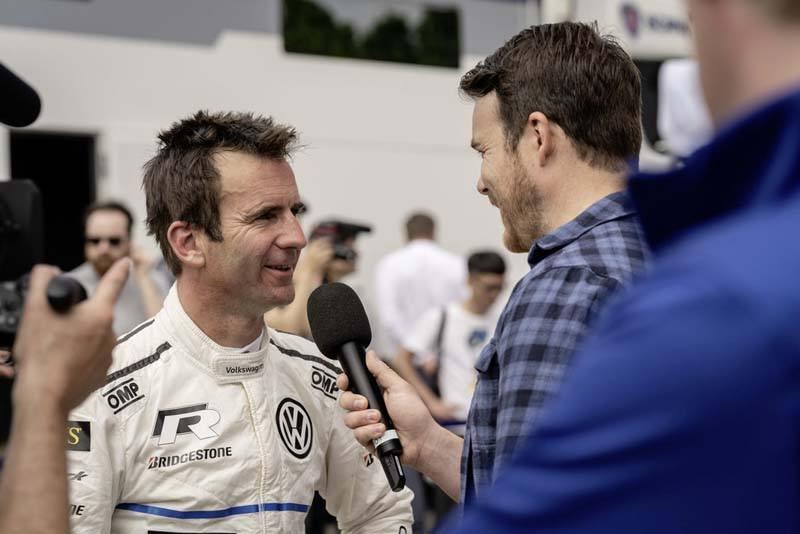 Romain-Dumas-conductor-ganador-record-VW-IDR