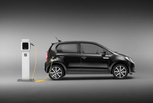 SEAT-Mii-Electric-lateral-cargando