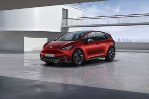 SEAT-el_Born-color-rojo-lateral