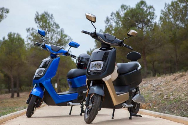 Scooter-electrica_NEXT-NX1_color-azul-marron