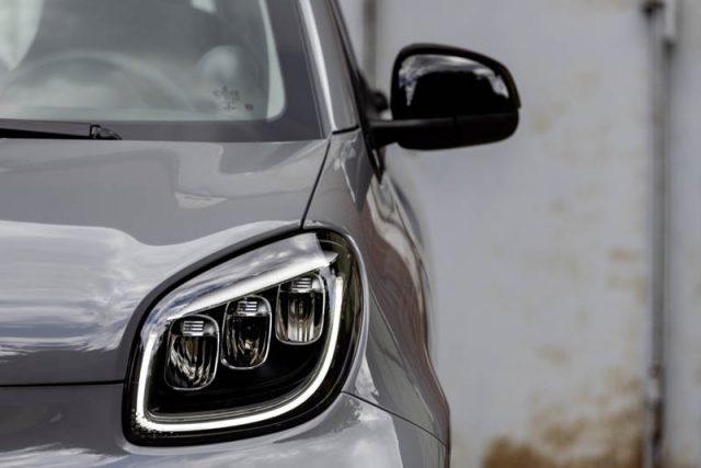 Smart-EQ-ForTwo-luces-LED-delanteras