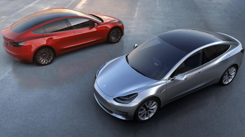 Tesla-Mode3_Enfrentados