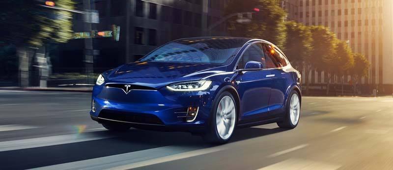 Tesla-Model-X-azul