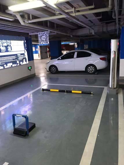Tesla-Supercharger-sistema-codigo-QR-evitar-aparcamientos-coches-combustion-China