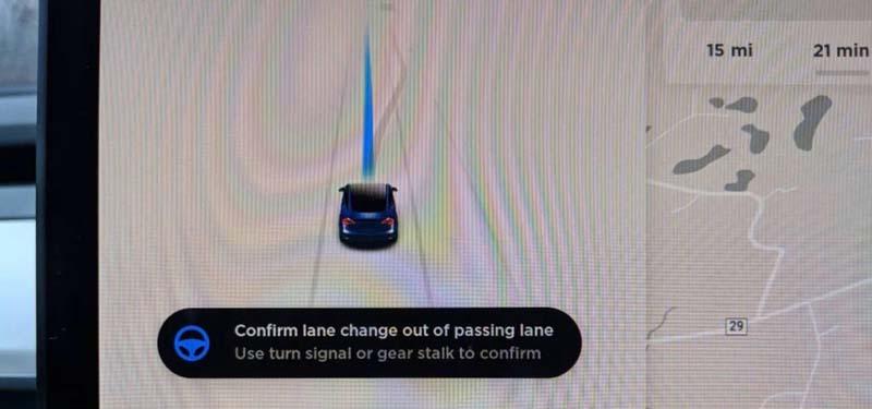 Tesla-cambio-carril-software9-autopilot-necesaria-confirmacion-conductor