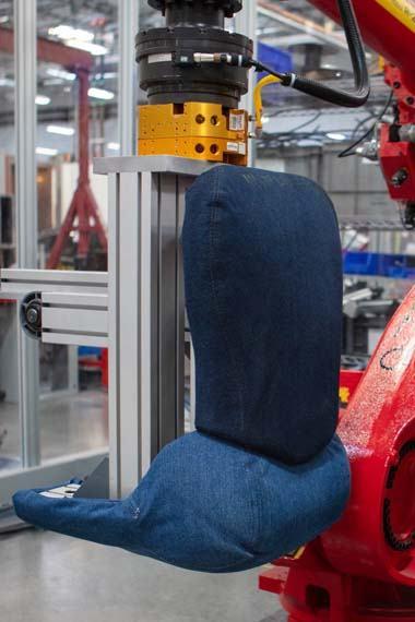Tesla-groot-vaqueros-test-robot