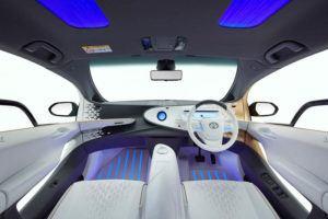 Toyota-LQ-Concept_interior-iluminado