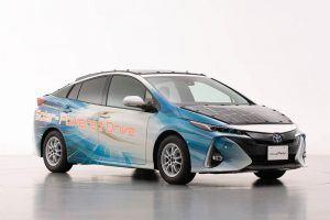 Toyota-prius-PHV-tecnologia-solar-sharp-nedo_frontal-dcho