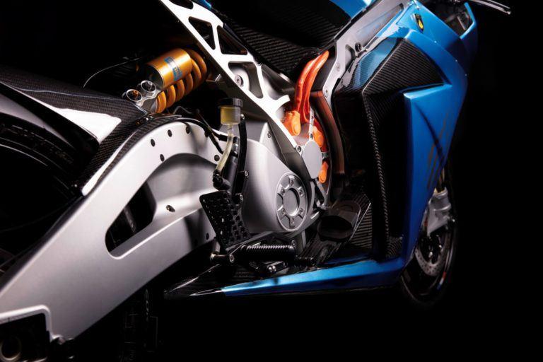 Version-rendimiento-performance-Lightning-Strike-carbon-edition