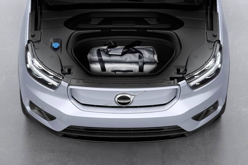Volvo-XC40-Recharge_maletero-delantero