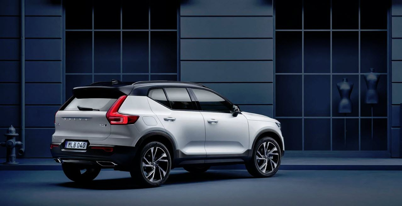 Volvo-XC40-combustion-actual_2019_trasera