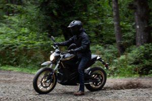 Zero-Motorcycles-DSR-2020-derrapando